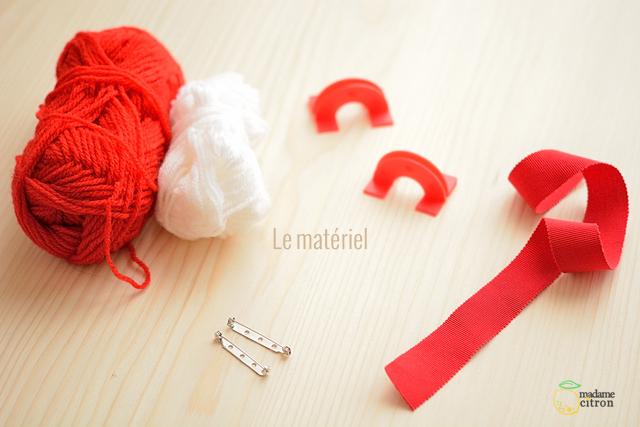 pompon en laine matériel