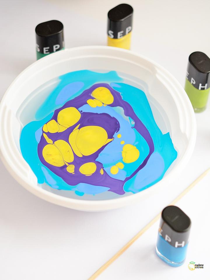 peinture à effet marbré